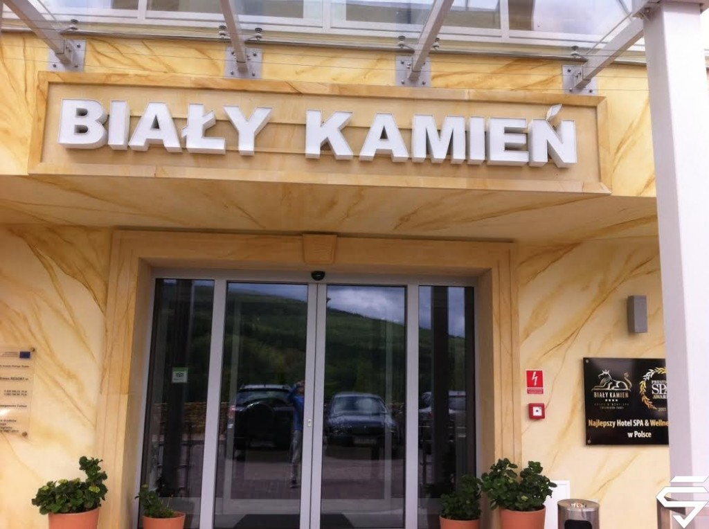 Bialy-kamien (2)